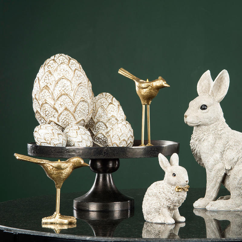 Ägg stående, guld/vit, två storlekar - A Lot Decoration 69 kr