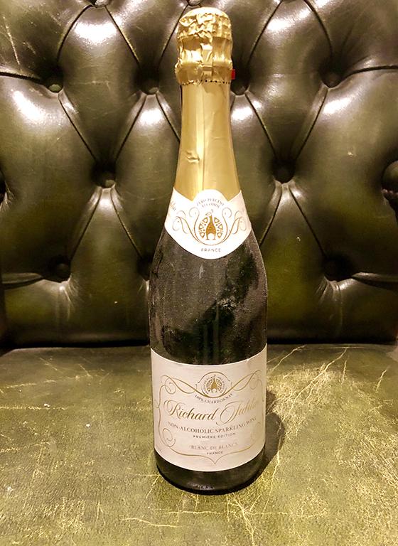 4dddcc39999c Richard Juhlins alkoholfria Blanc de Blancs är förträfflig!, säger  Fastighetsmäklaren Jörgen Warberg på frågan vilken champagne han gillar  bäst.
