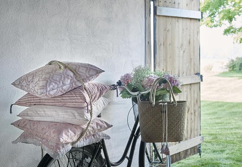 Kuddar i rosa från Chamois