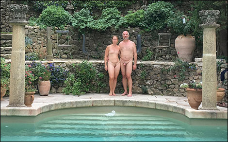 Calle & Jennie vid poolen