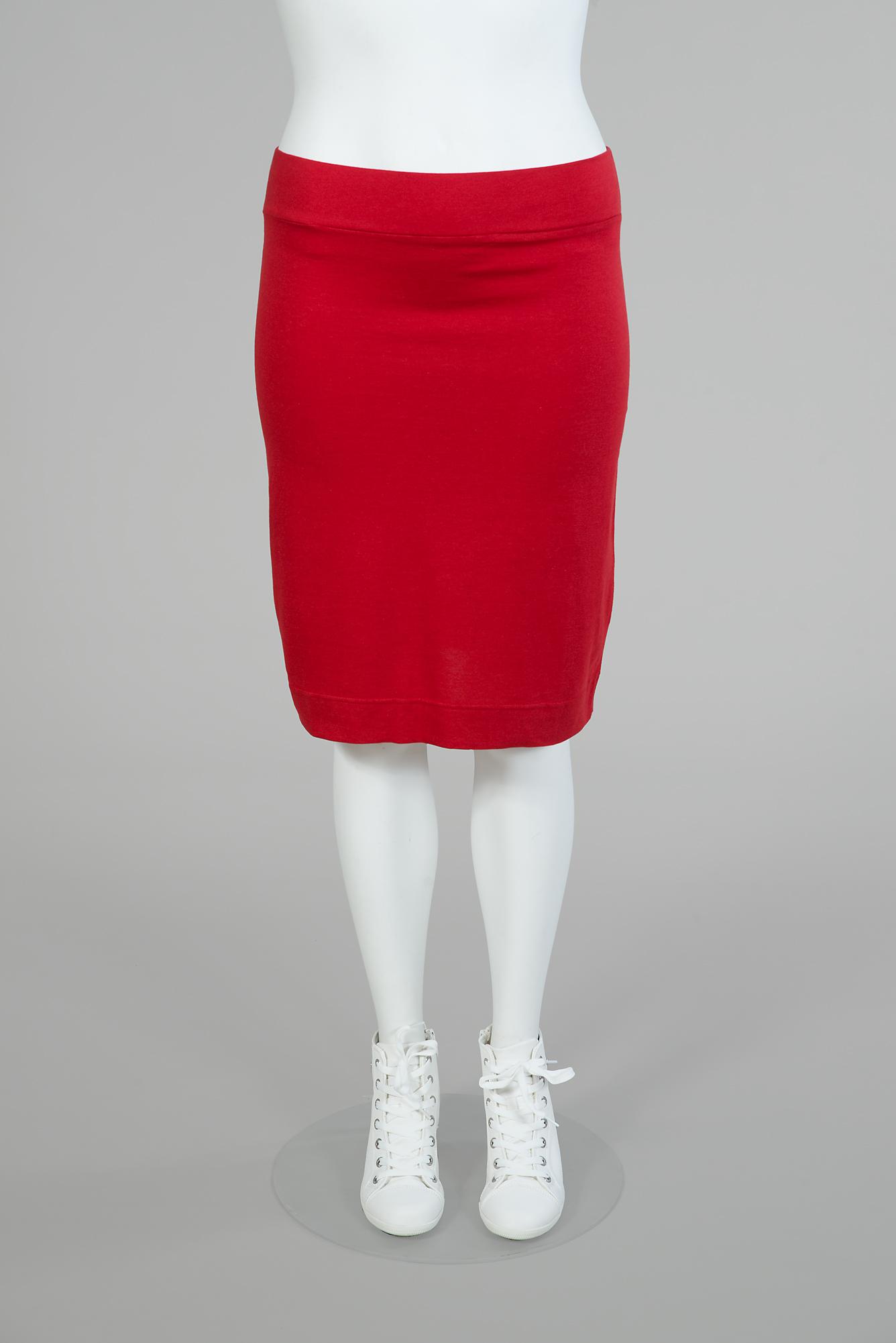 För dig som trivs bäst i kjol finns Paris som både kort och lång i färgerna röd, blå, beige, svart/vit och grön/vit. (Svart finns även som lång kjol.) Pris kort 349:-, lång 399:-