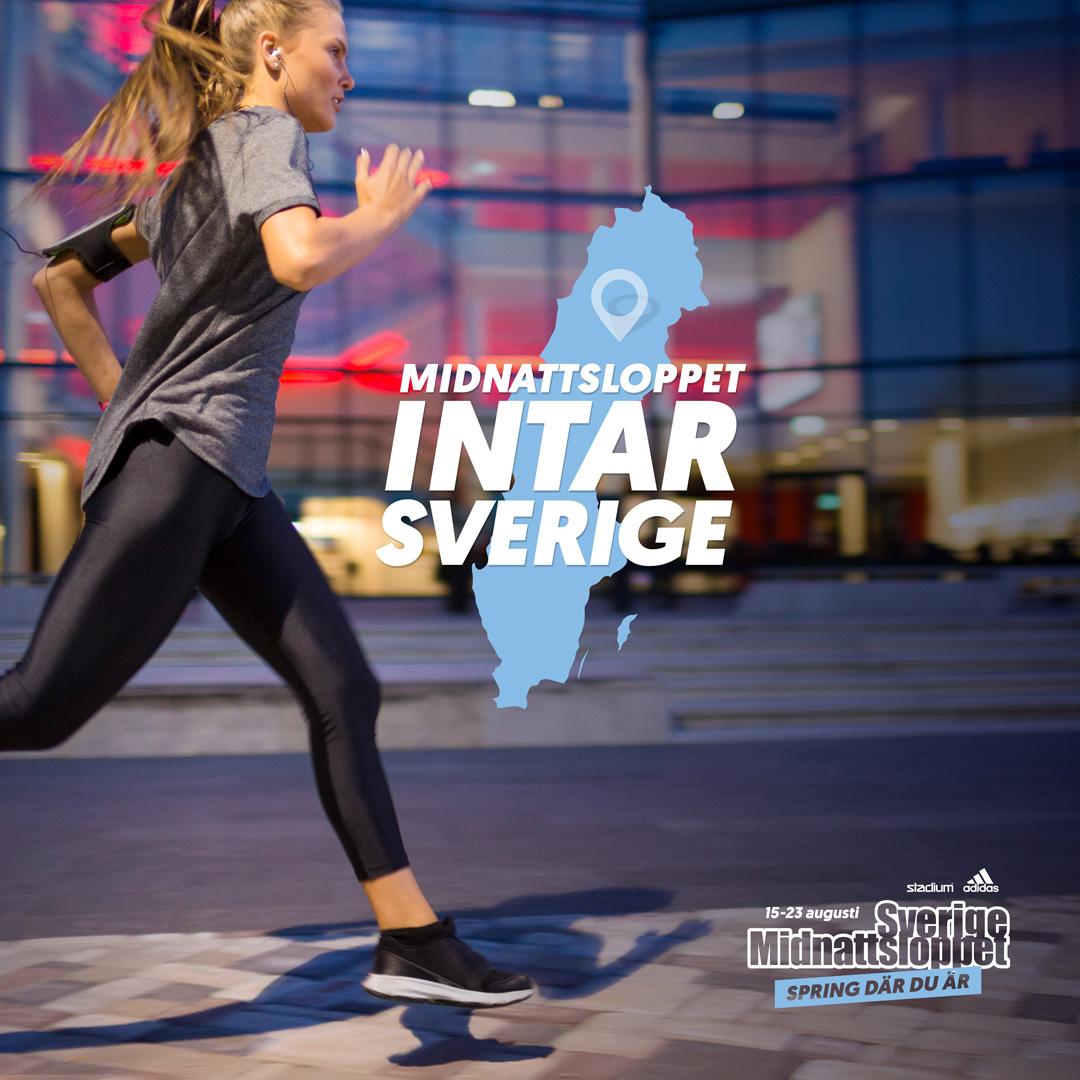 Kvinna springer Midnattsloppet