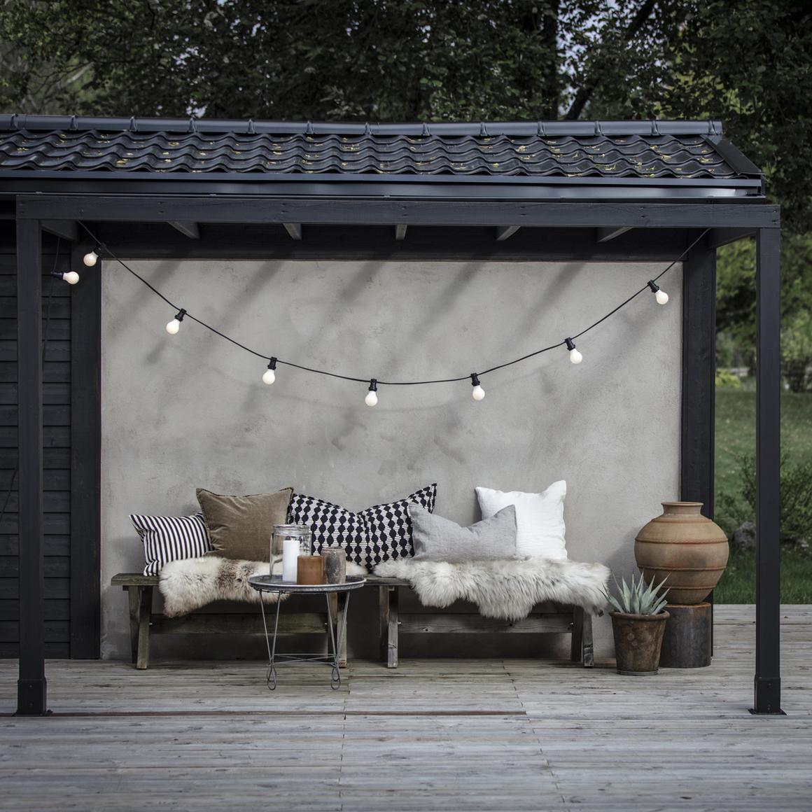 Ljusslinga utomhus med 10 ljuskällor