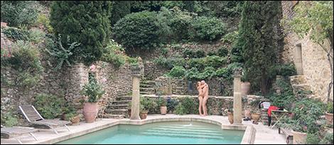 Kyss vid poolen
